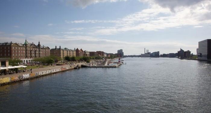 uden for ludere stoffer tæt på Aarhus
